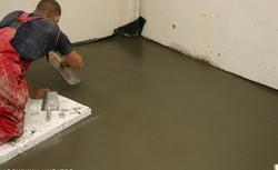 Układamy szlichtę, czyli podkład betonowy