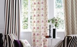 Nowoczesna dekoracja okna jak z obrazka. Zobacz efektowne aranżacje okna