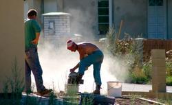 Błędy przy budowie domu. Za co odpowiada wykonawca, a za co kierownik budowy?