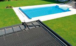Podgrzewanie wody w odkrytym basenie. Jak wykorzystać do tego celu energię słoneczną?