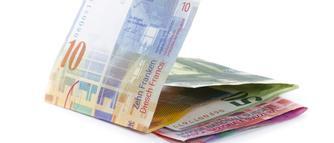Masz kredyt hipoteczny we frankach? Sprawdź, jak obniżyć ratę kredytu [WIDEO]