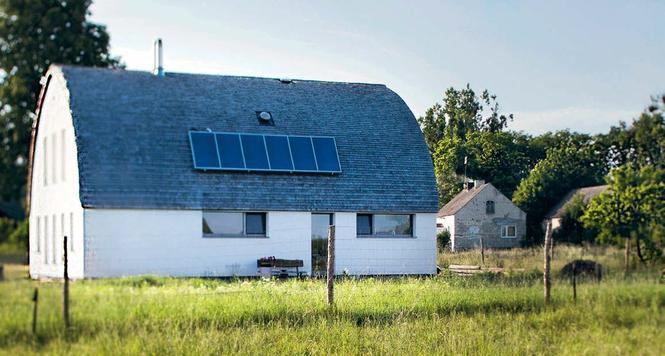 Dom z łukowym dachem