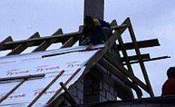Wymiana dachu - ważne prace podczas remontu dachu